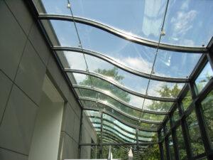 Beispiel 23, gebogenes Glas