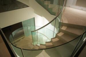 Beispiel 32, gebogenes Glas