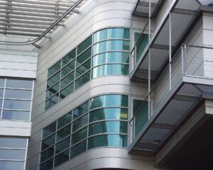 Beispiel 4, gebogenes Glas
